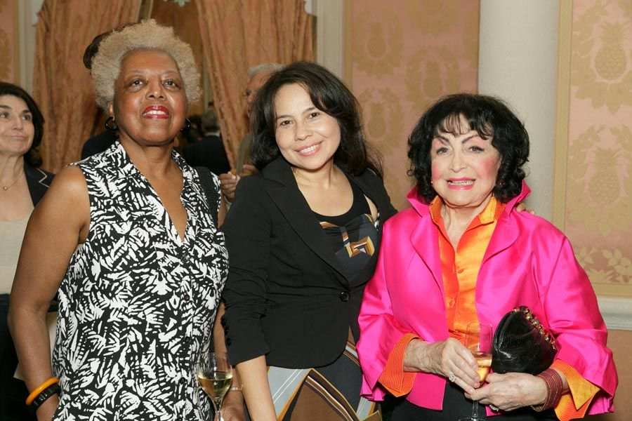 Essie D. Owens, Sindy Galdamez, Dina Baker - Photo © JACEK Photo