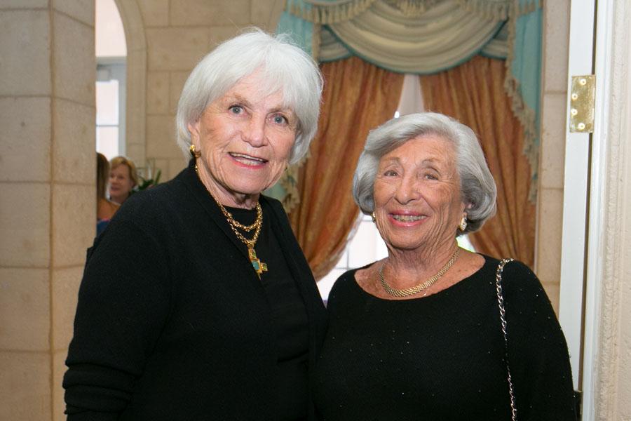 Jeanne Kanders, Phyllis Verducci - Photo © JACEK PHOTO
