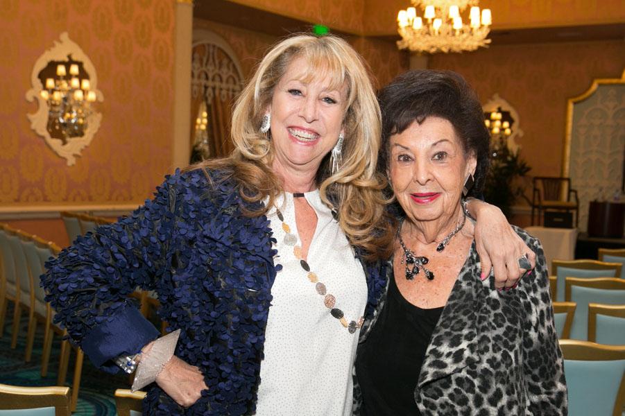 Bonnie Roseman, Shirley Cowan - Photo © JACEK PHOTO
